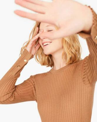 Sweter z guzikami na rękawach Liviana Conti