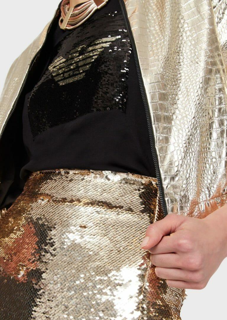 czarna bluzka z cekinami zlotymi emporio armani milano 2