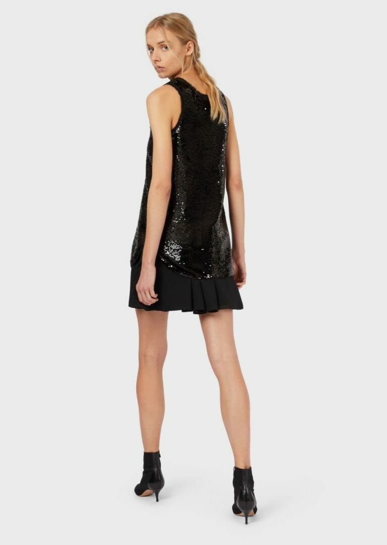 czarna cekinowa sukienka bez rekawow 1