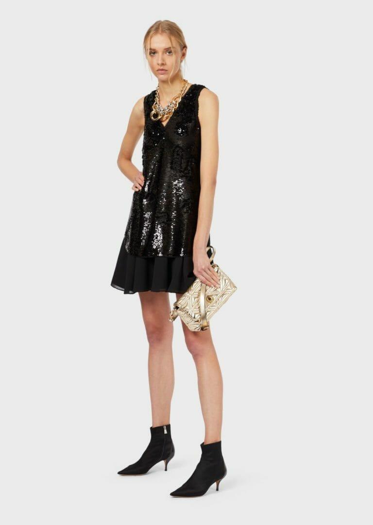 czarna cekinowa sukienka bez rekawow 6