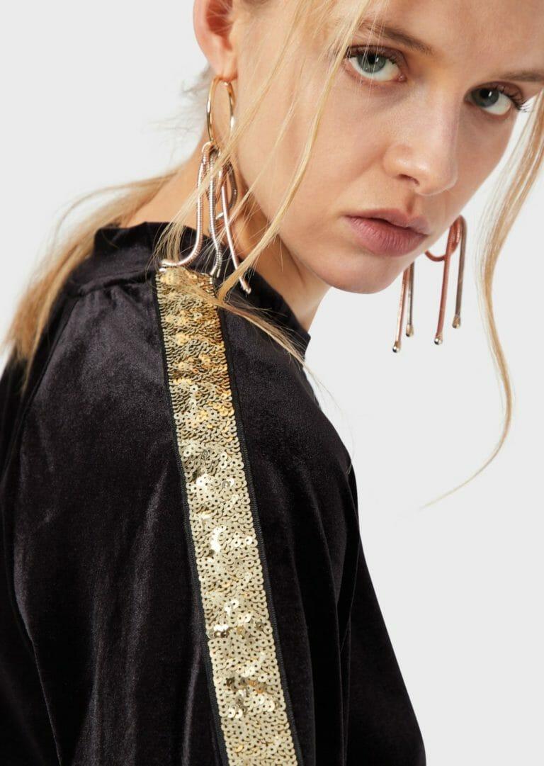 damska bluza z aksamitu ze zlotymi cekinami emporio armani 3