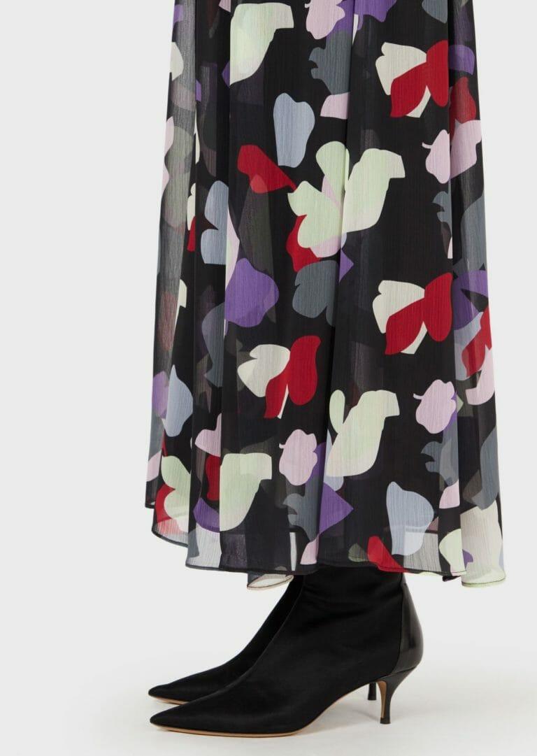 dluga sukienka emporio armani zwiewna letnia w kolorowe laty 2