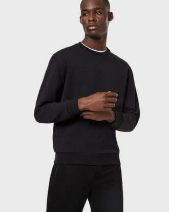 czarna bluza meska emporio armani z wytloczonym logo 2