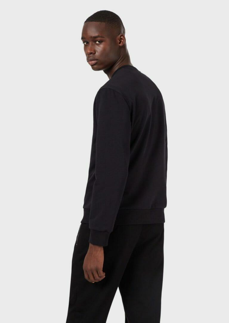 czarna bluza meska emporio armani z wytloczonym logo 3