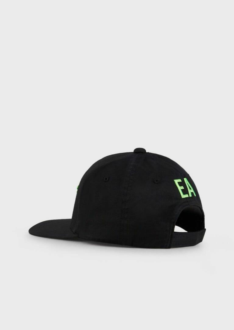 czarna czapka z zielonym logo emporio armani 4