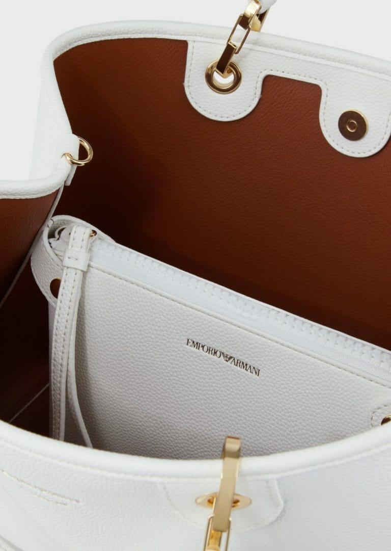 duza biala torebka z szerokim paskiem na ramie z logo emporio armani 6