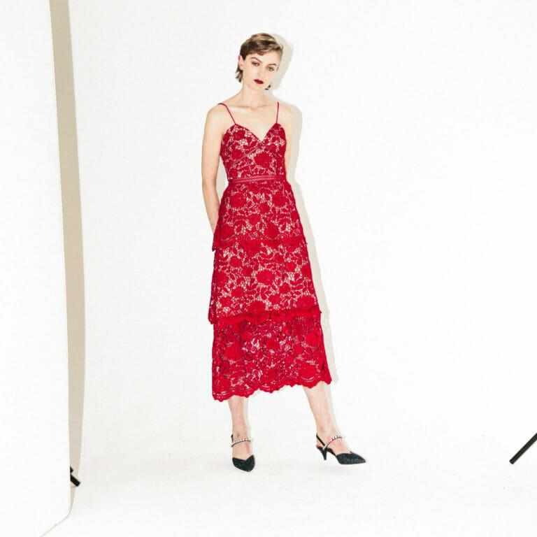 Dluga koronkowa sukienka self portrait fuksja rozowa 1