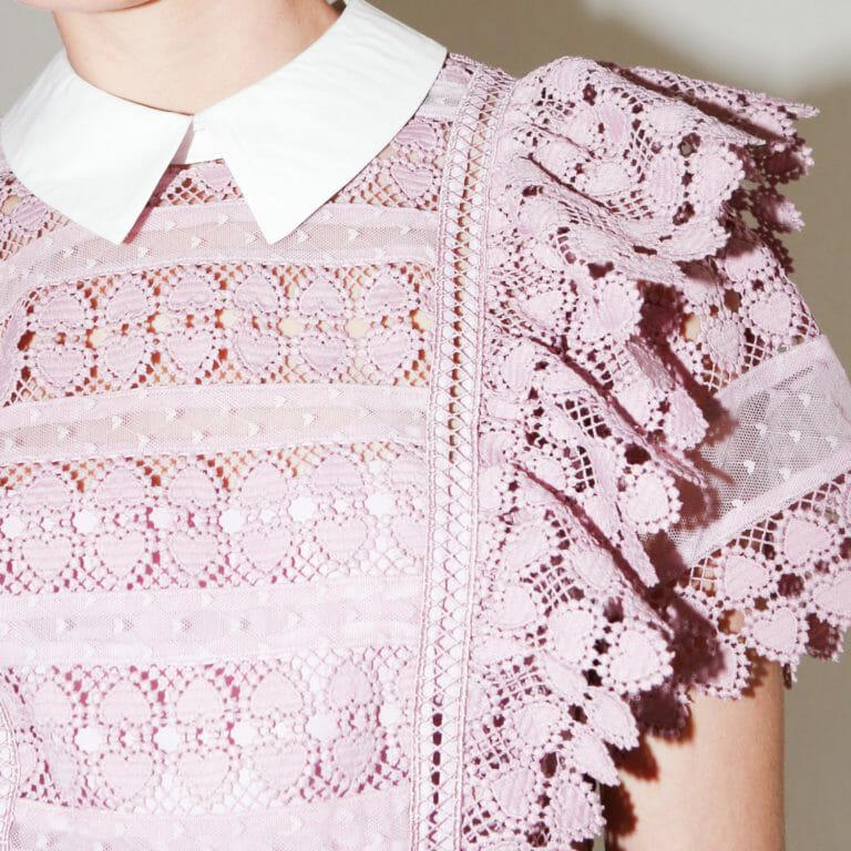 liliowa sukienka koronkowa z kolnierzykiem 6
