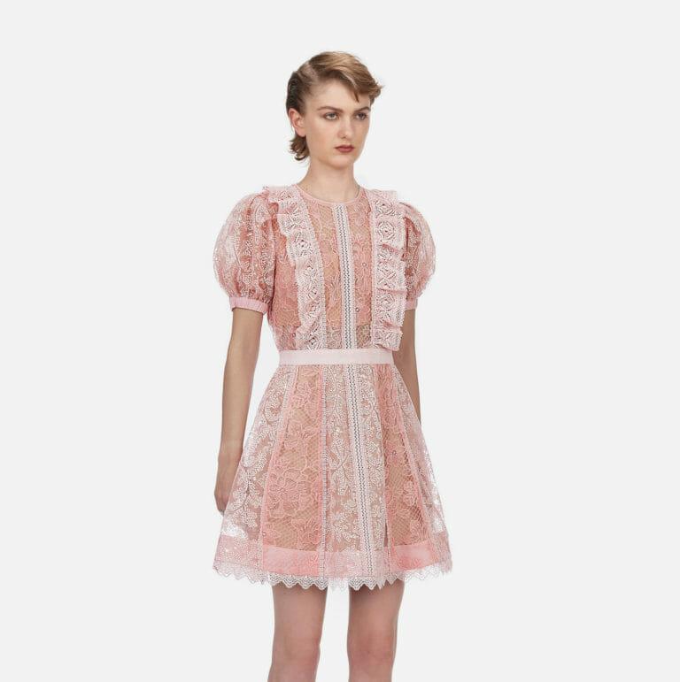 rozowa krotka koronkowa sukienka self portrait 2