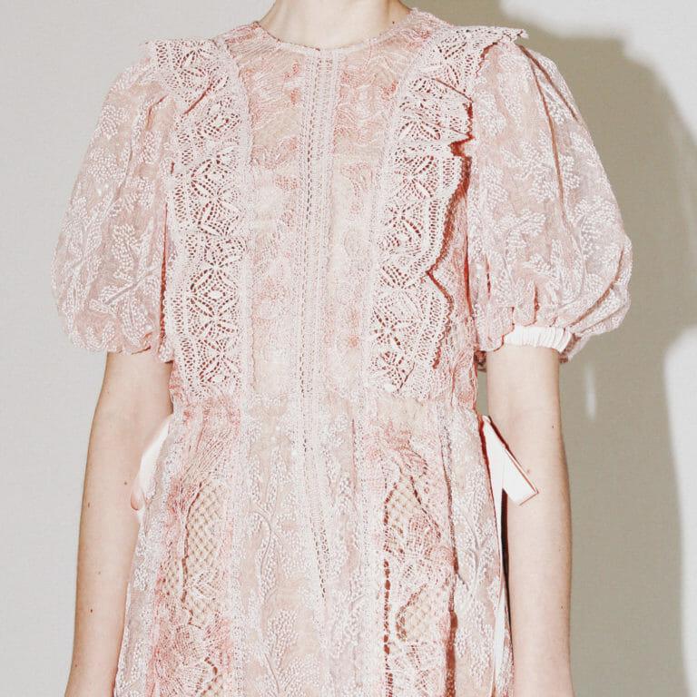 rozowa krotka koronkowa sukienka self portrait 5
