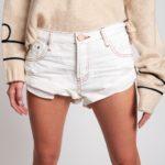 Damskie białe spodenki jeansowe Bandits - OneTeaSpoon